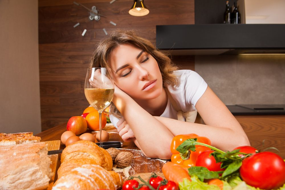 Három ok, amiért a fáradt ember többet eszik