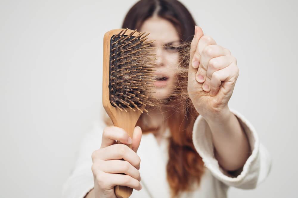 pajzsmirigy hajhullás