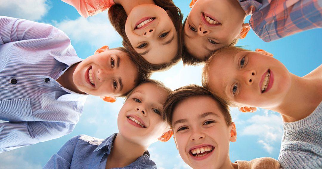 """Hét mindfulness-gyakorlat """"túlpörgő"""" gyerekeknek"""